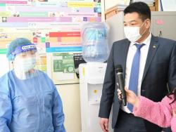 Эрүүл мэндийн сайд С.Энхболд Баянзүрх, Чингэлтэй дүүргийн эрүүл мэндийн төвд ажиллалаа.
