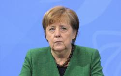 """Германы Канцлер """"AstraZeneca""""-гийн вакцин хийлгэжээ"""