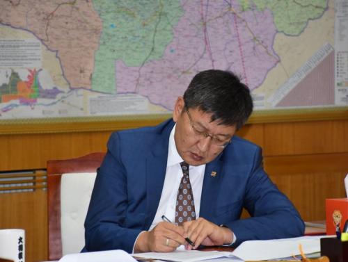 Монгол Улсын Шадар сайд Я.Содбаатар газрын тос боловсруулах үйлдвэрийн явцыг эрчимжүүлэх үүрэг өглөө