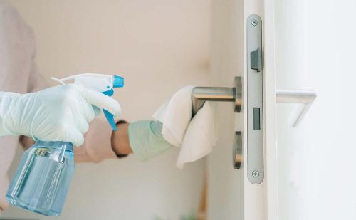 COVID-19: Хүний гар олон хүрэлцдэг хэсгийг угааж цэвэрлэх, халдваргүйжүүлэх