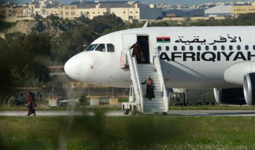Муаммар Каддафийн нисэх онгоцыг Ливид авчирчээ.