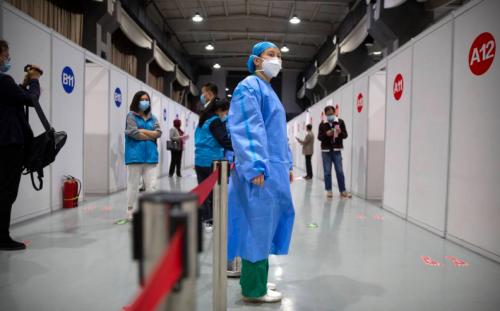 Хятадад нэг тэрбум гаруй тун вакцин тарьжээ.