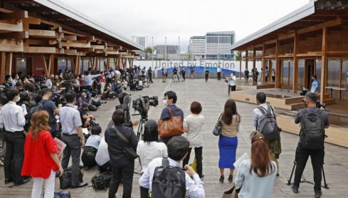 Токиогийн Олимпын тамирчдын хотхоныг cэтгүүлчдэд танилцуулжээ.